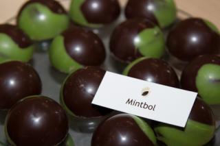 Mintbol bonbon bij IJZenSO